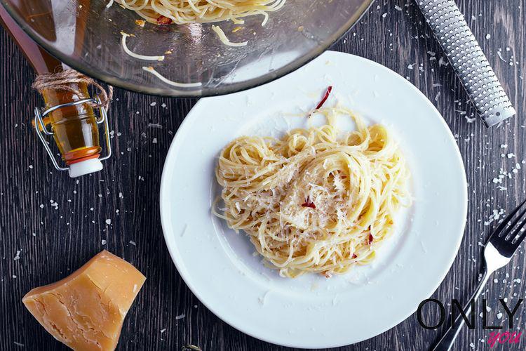 Czosnkowe spaghetti