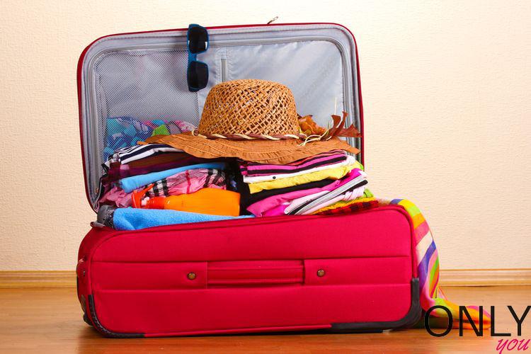 Jak spakować podręczną walizkę do samolotu