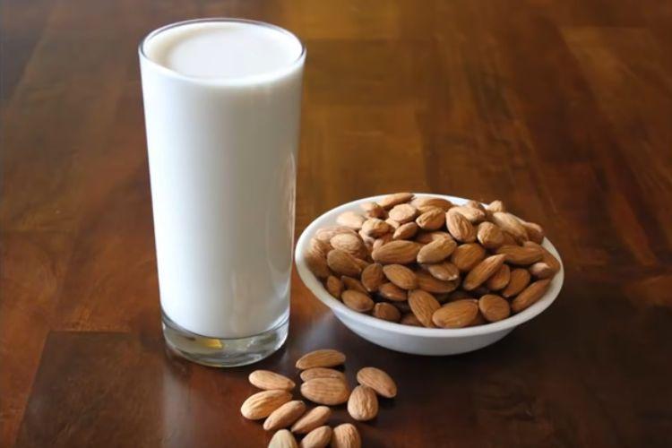 Jak zrobić mleko migdałowe