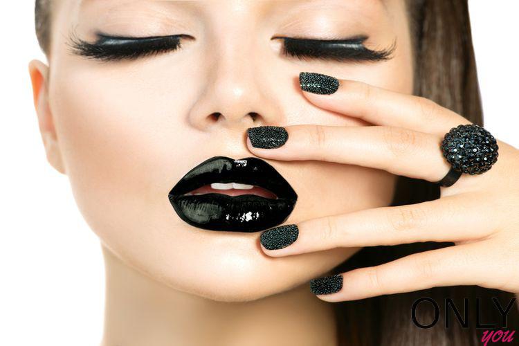 DIY: Jak samemu zrobić czarną szminkę