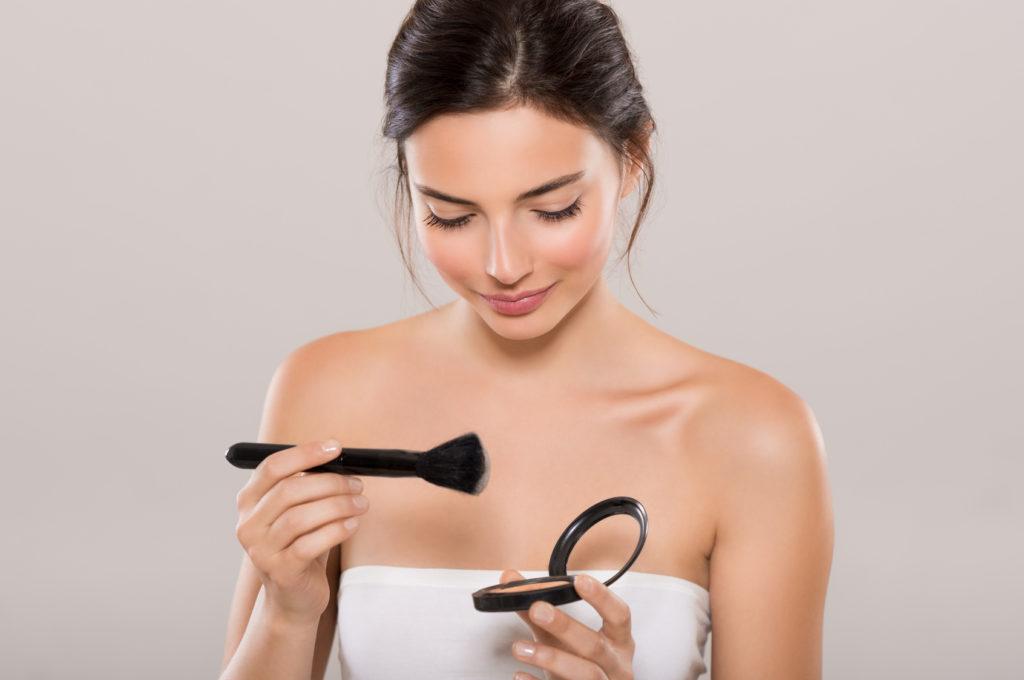 Jak utrwalić makijaż – 4 triki