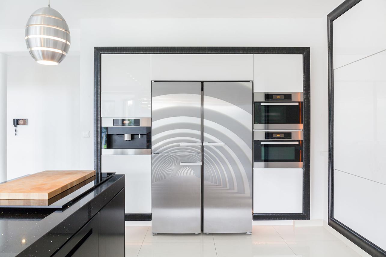 Naklejki na lodówkę, czyli nowoczesny pomysł na aranżację kuchni