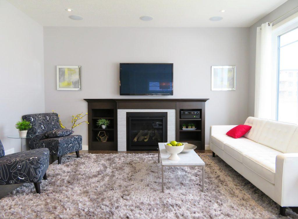 Nowoczesne dywany do salonu, czyli jak modnie zaaranżować przestrzeń na podłodze