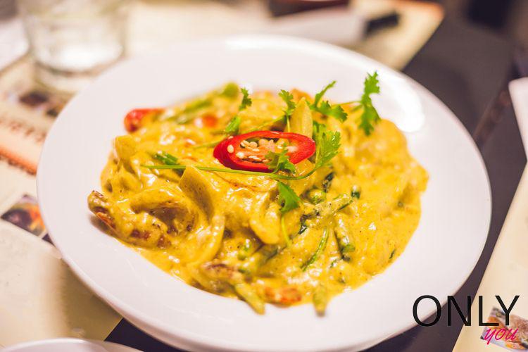 Szybkie curry z szybkowaru