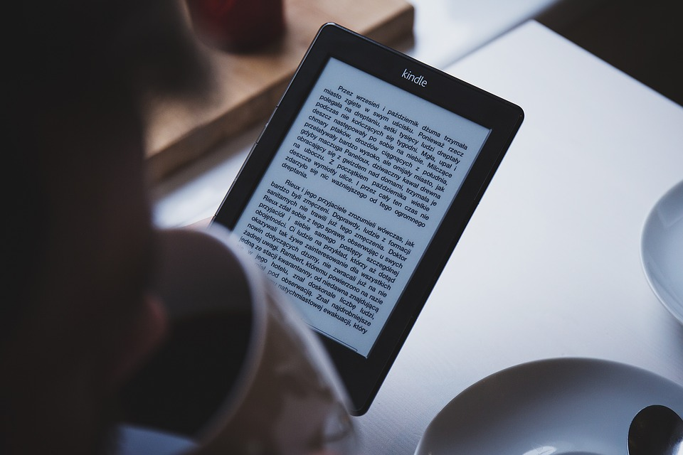 Audiobooki, ebooki – czy tradycyjne książki odchodzą w zapomnienie?
