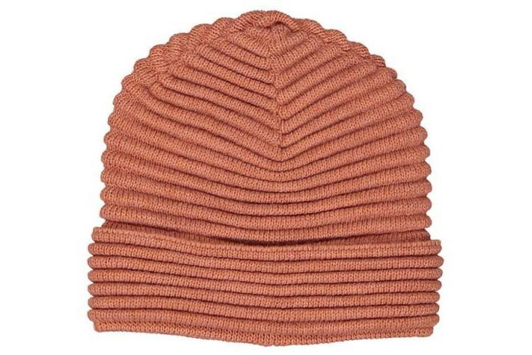 Jak modnie i wygodnie przeżyć jesień – czapki i szaliki sezonu