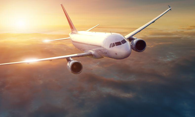 Kilka trików, by ułatwić sobie podróż samolotem