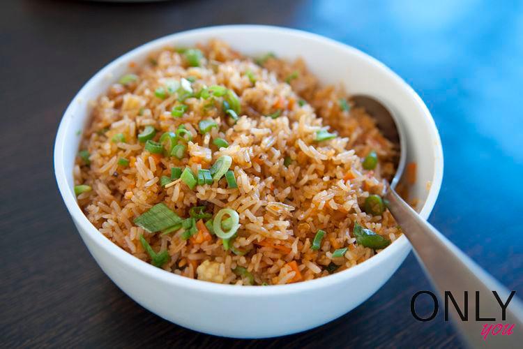 Azjatycka jajecznica z ryżem