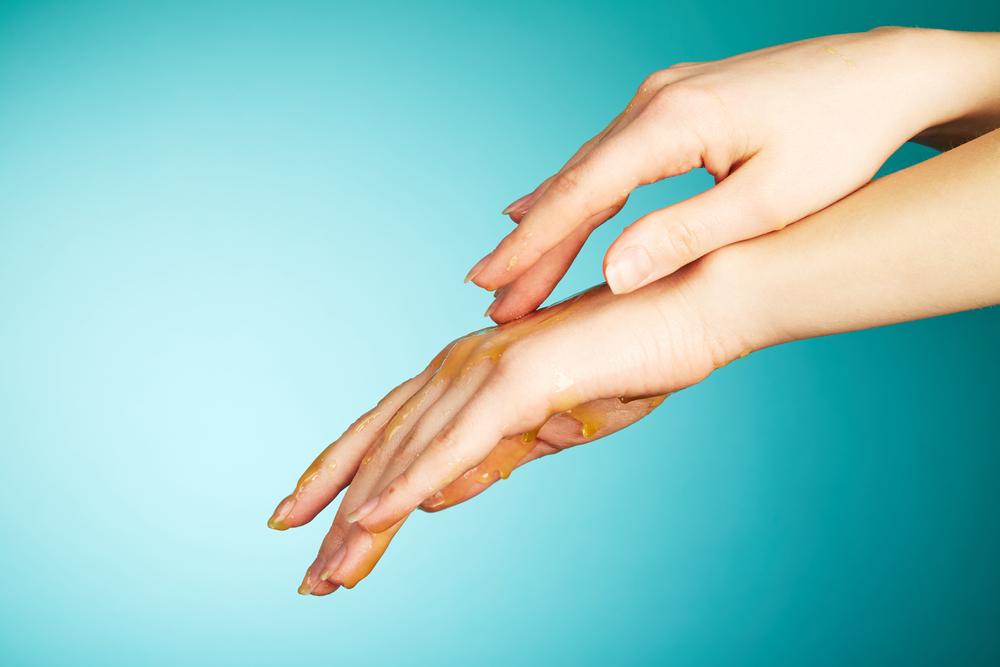 Miodowe Panaceum – część III – odżywka do paznokci