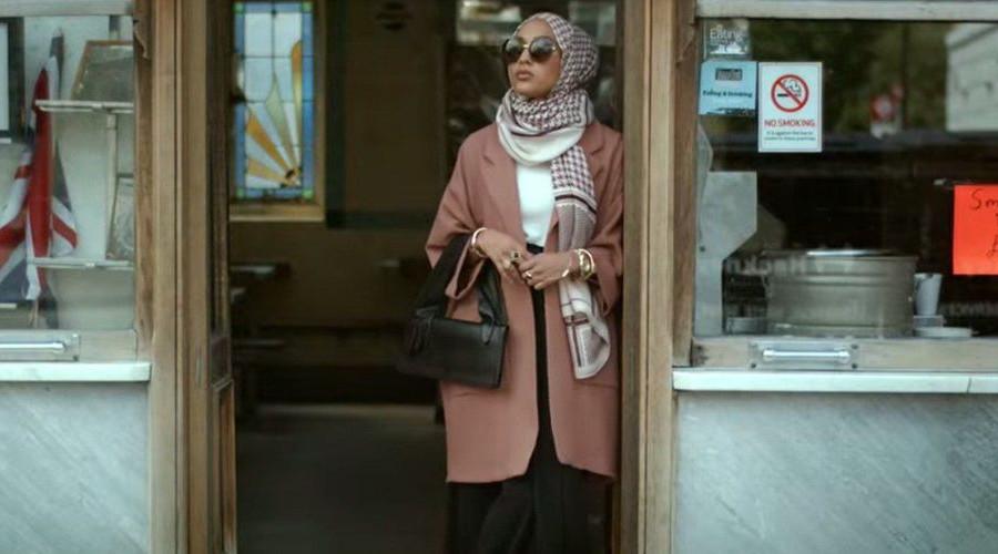 Modelka w hidżabie dla H&M