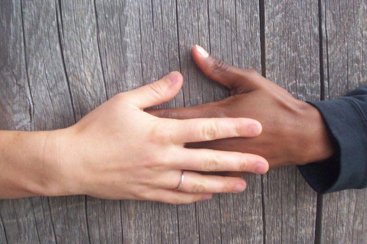 Domowe sposoby na suche dłonie