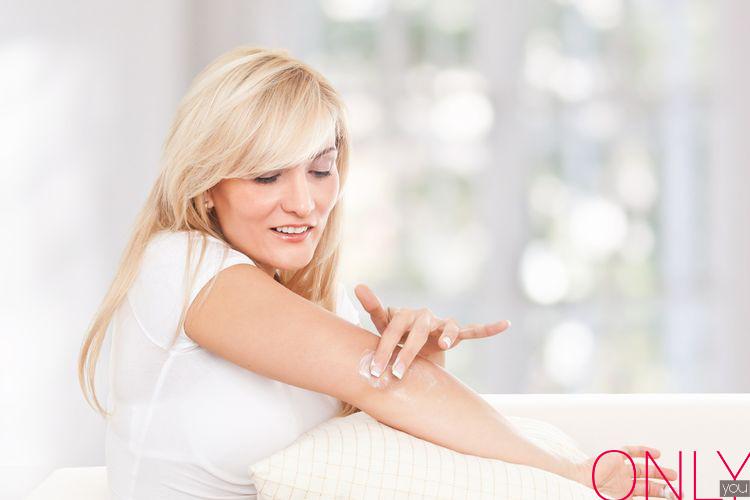 Jak się pozbyć szorstkiej skóry na łokciach