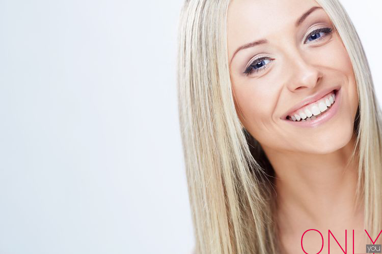 Domowe sposoby na naturalnie białe zęby