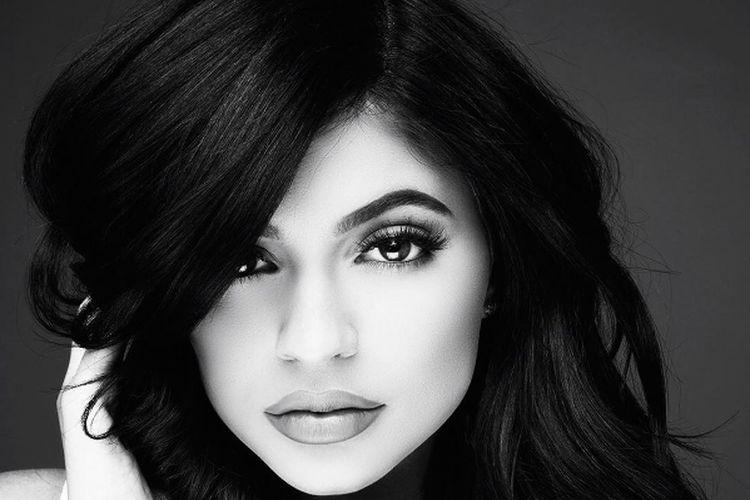 Nowa kolekcja Kylie Jenner wyprzedana w 22 minuty