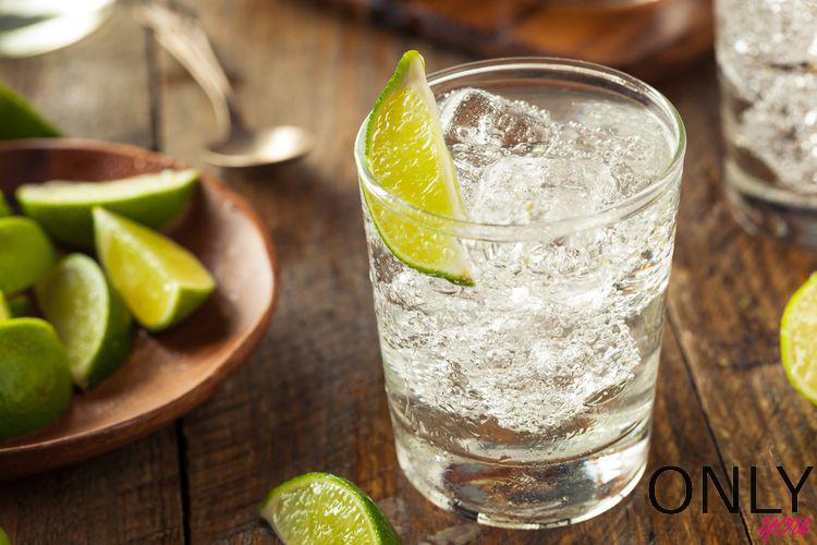 Uważaj na tych, co lubią gin z tonikiem