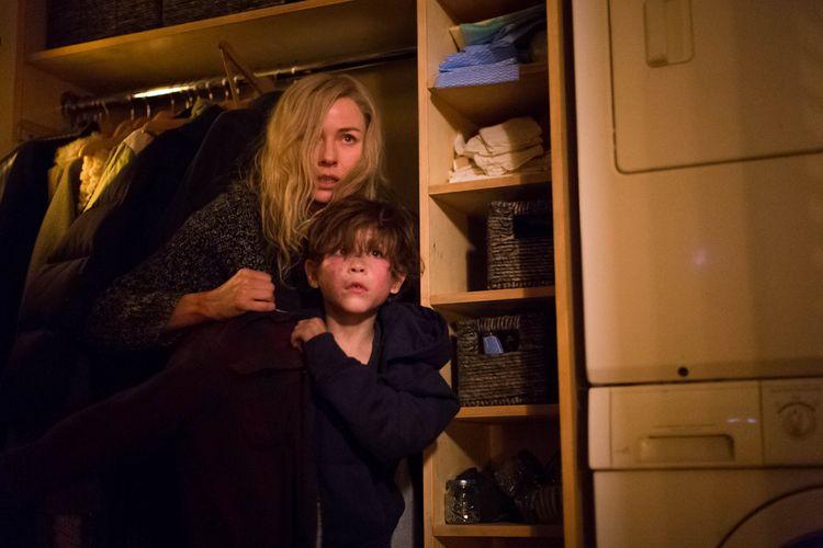 Naomi Watts chce utopić gwiazdę Netflixa! Prezentujemy mroczny zwiastun thrillera OSACZONA.
