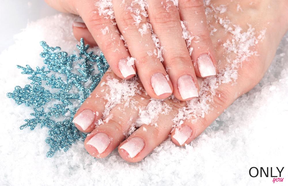 Jak dbać o dłonie jesienią i zimą
