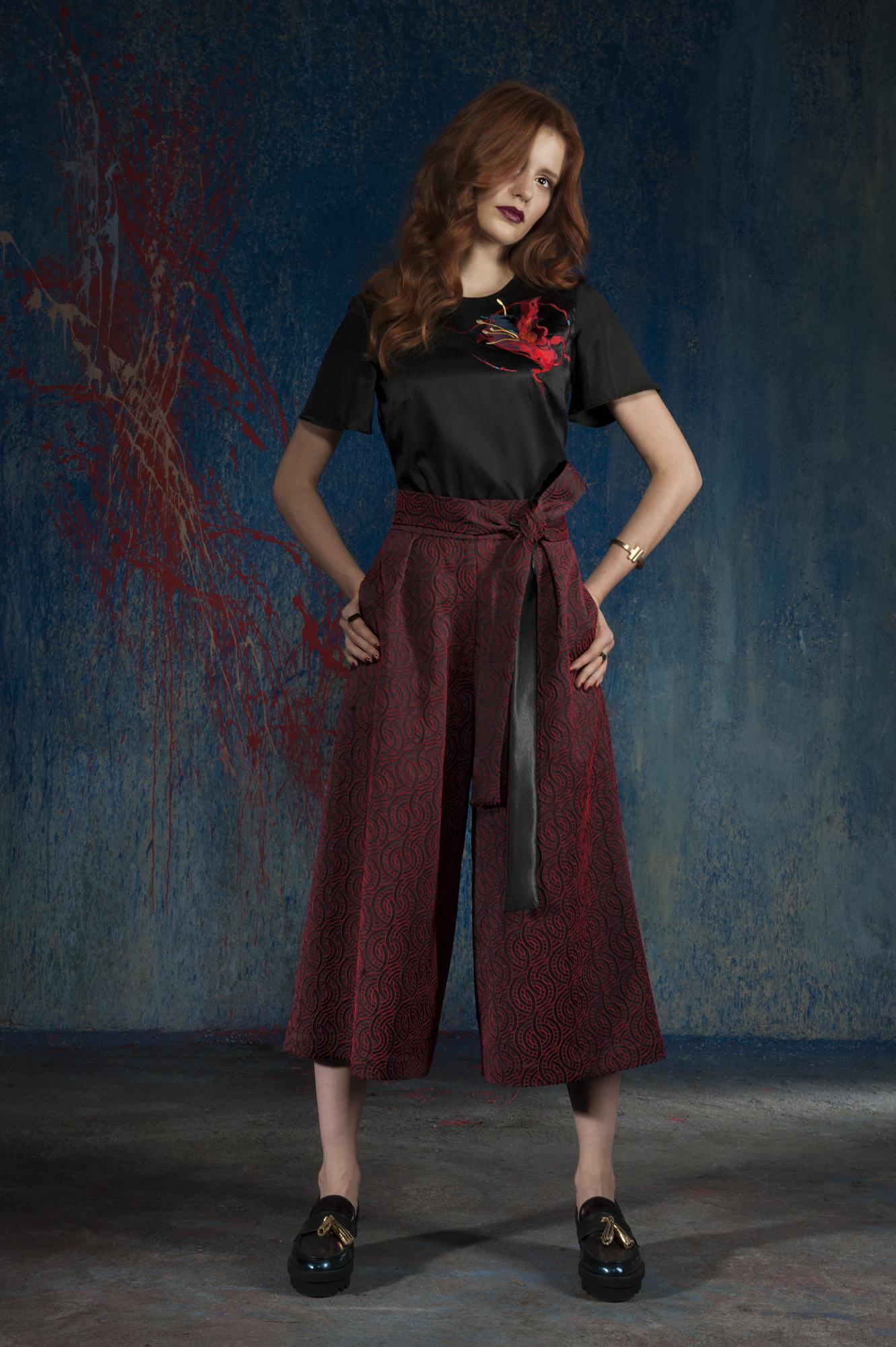 spodnie culottes,bluzka z haftem (czerwony)