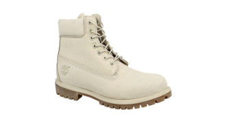 Białe buty - hit sezonu?