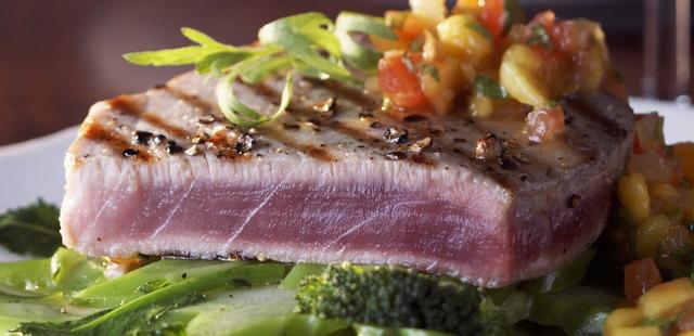 Grillowany stek z tuńczyka – poznaj głębię jego smaku
