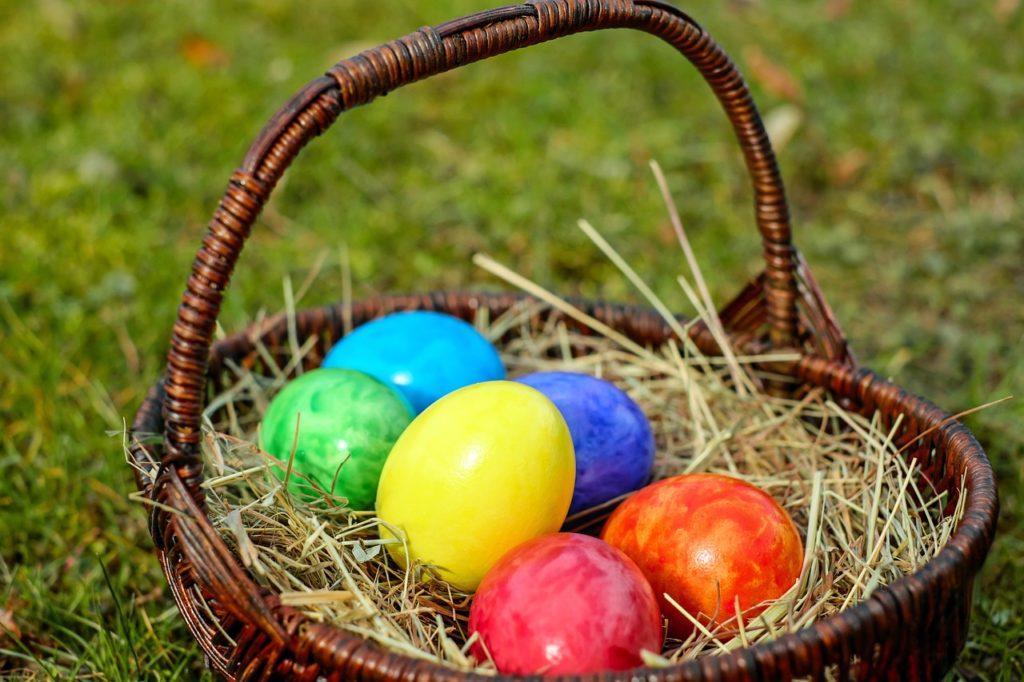 Święta Wielkanocne za granicą – jak zorganizować