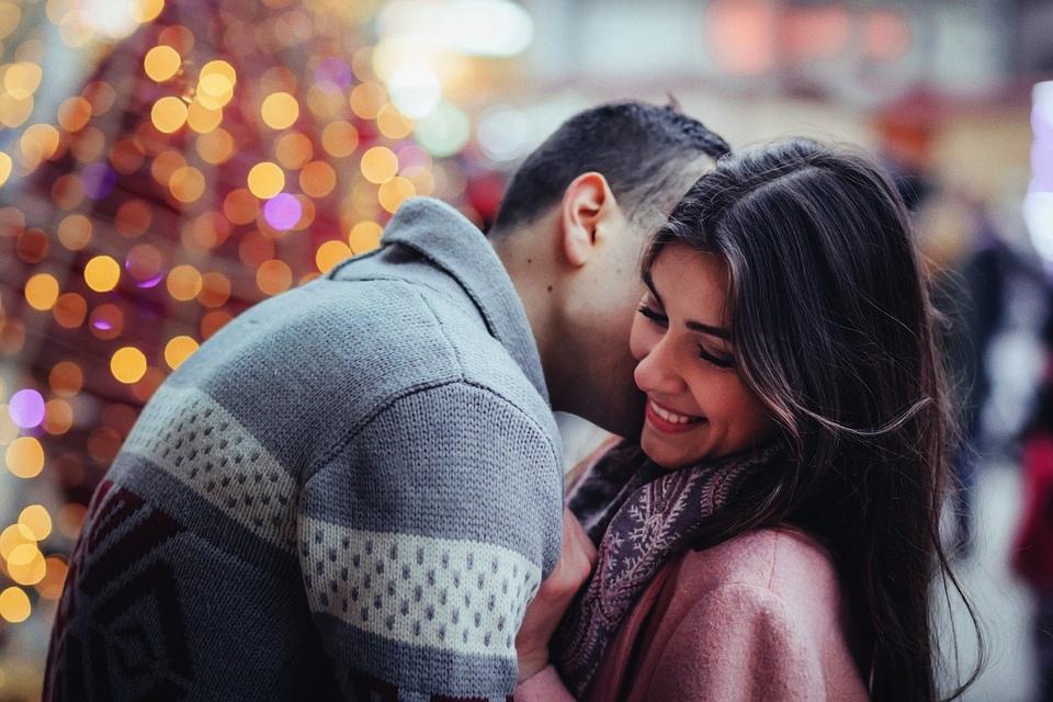 Jakie komplementy zrobią dobre wrażenie na kobiecie?