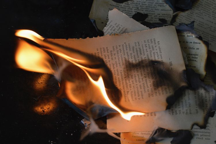 Z jakich powodów można zakazać publikacji książki? 6 argumentów, które naprawdę zaskakują!