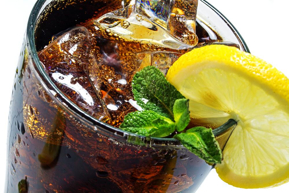6 smakowitych perfum o zapachu cytryny i coli