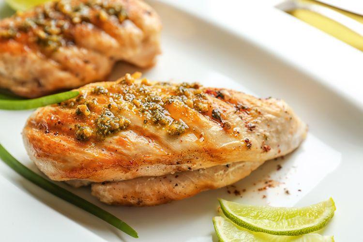 Jak zrobić soczyste piersi z kurczaka