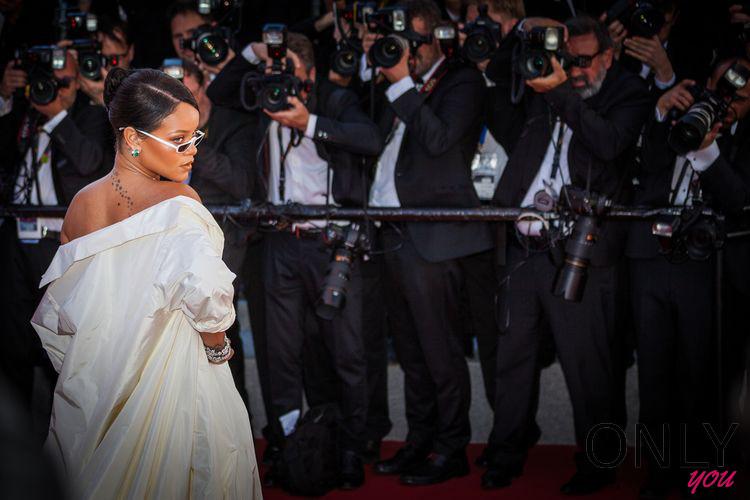 """Rihanna projektuje """"dziką"""" bieliznę"""