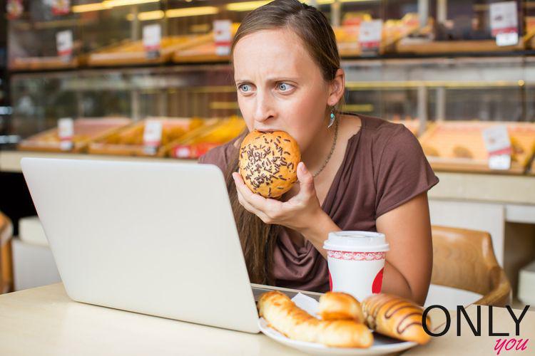 """Dlaczego """"zajadamy"""" stres"""
