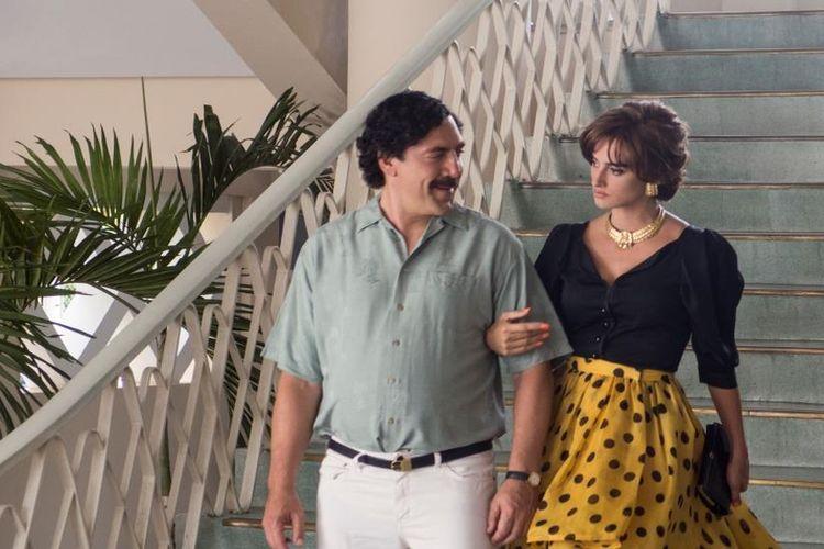 """Prezentujemy plakat filmu """"Kochając Pabla, nienawidząc EscobaraHistoria romansu najpotężniejszego gangstera świata w kinach od 15 czerwca."""