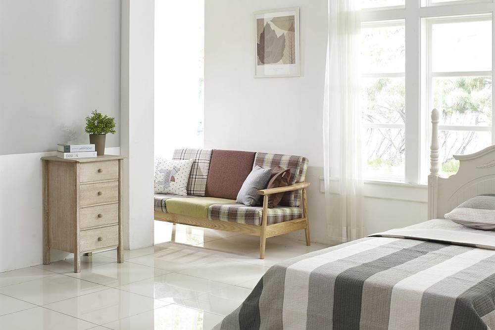 5 sposobów na połączenie salonu z sypialnią