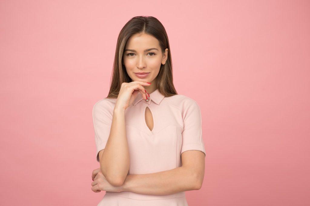 Kolacja firmowa – jak się ubrać?