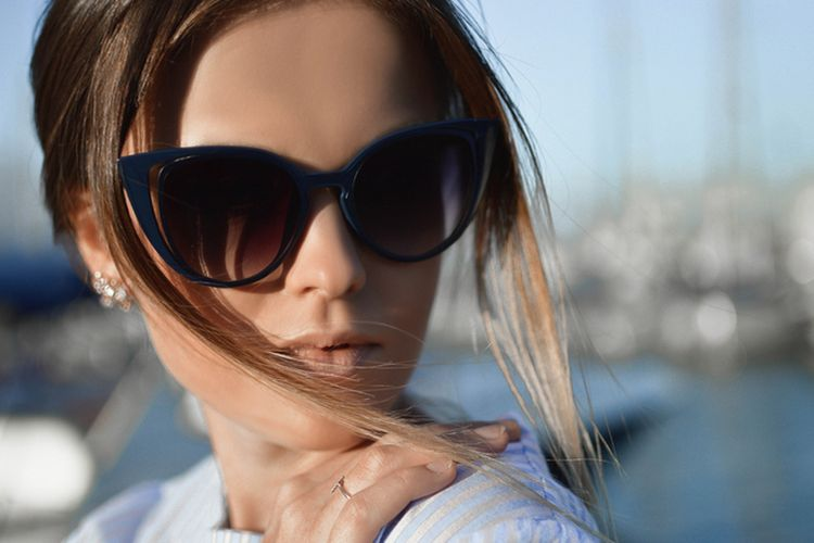 Jak dobrać okulary słoneczne do kształtu twarzy