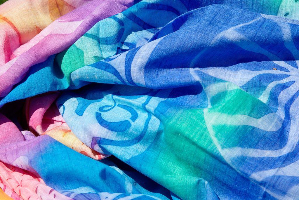 Pareo – dlaczego warto je mieć w swojej szafie