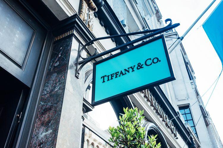 Automat z perfumami od Tiffany&Co
