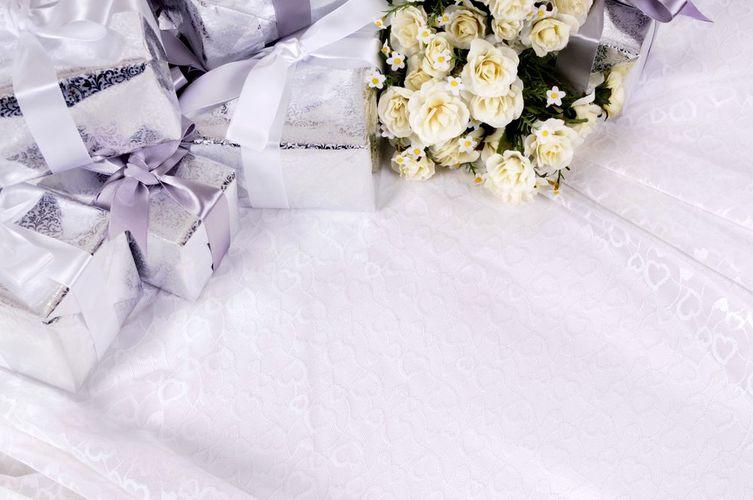 Co zamiast kwiatów dla młodej pary?