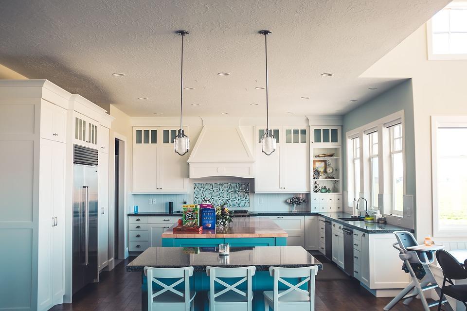 Mała kuchnia – o czym pamiętać podczas urządzania?