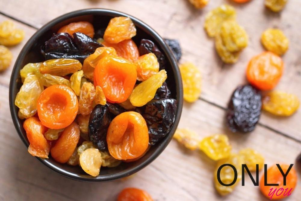 sałatka z owoców suszonych