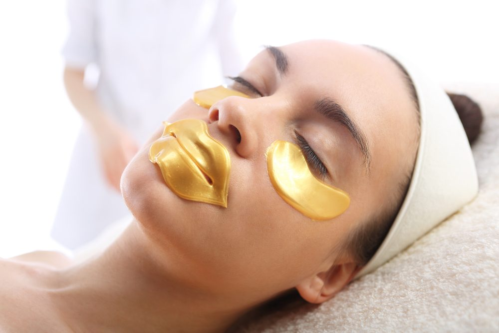 Maski ze złotem na przedłużenie młodości