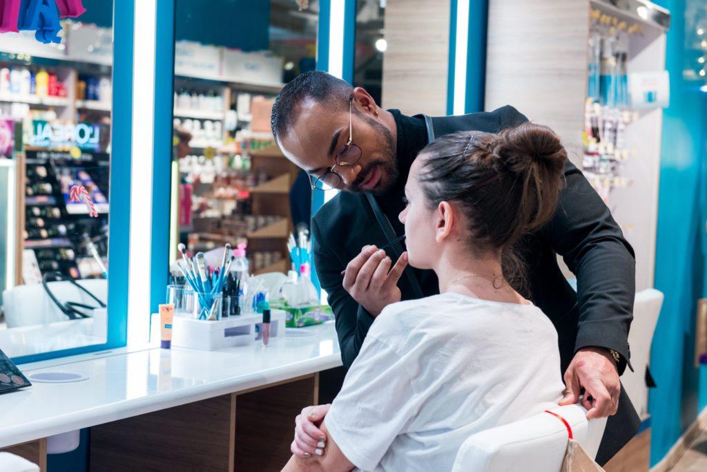 Gdzie zrobić profesjonalny makijaż