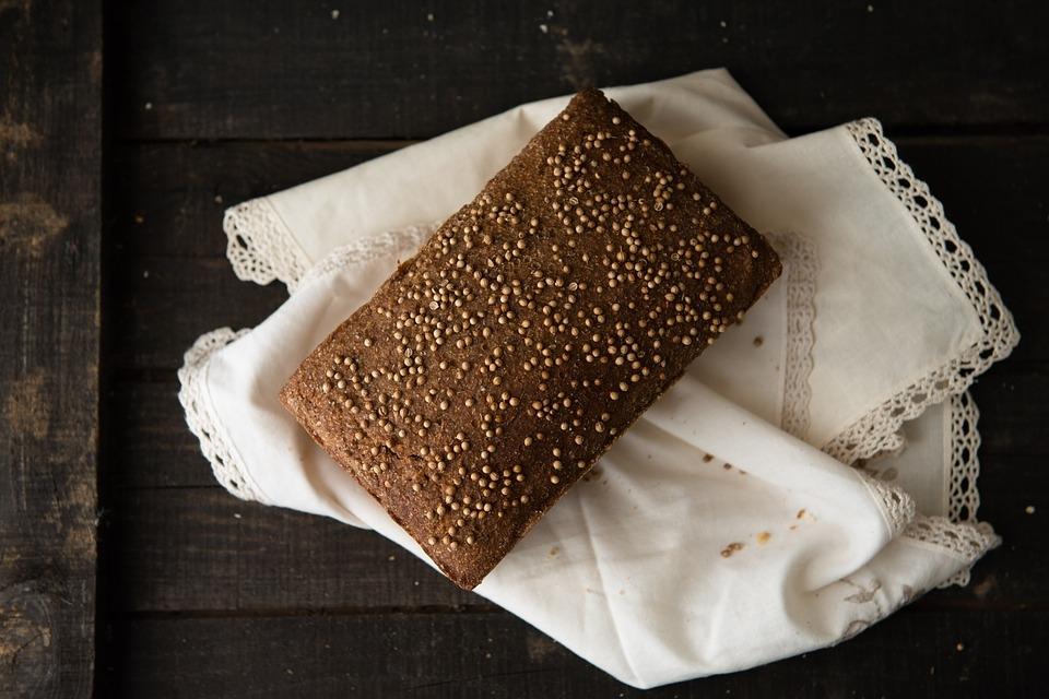 Przepis na sycący, domowy chleb konopny na zakwasie