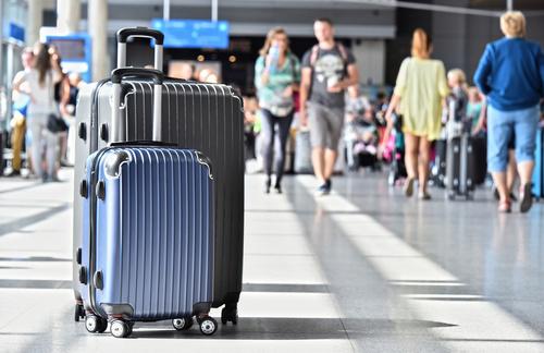 Dlaczego warto kupować walizki w zestawach?