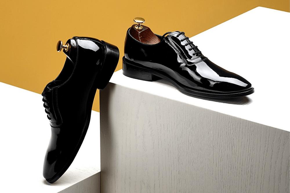 Jak prawidłowo dbać o skórzane buty?