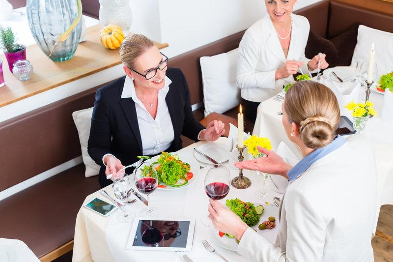 Misja obiadów czwartkowych Karola Okrasy