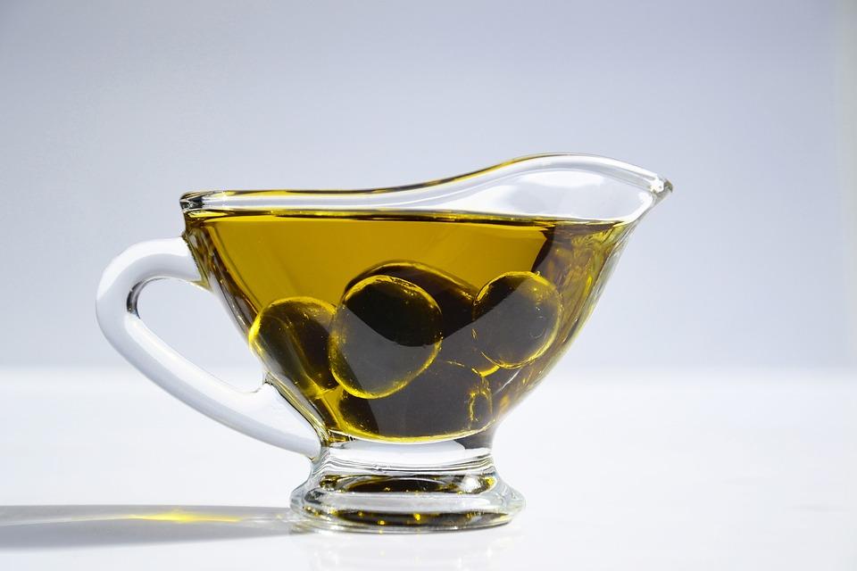 Który lepszy? Olej rafinowany czy surowy?