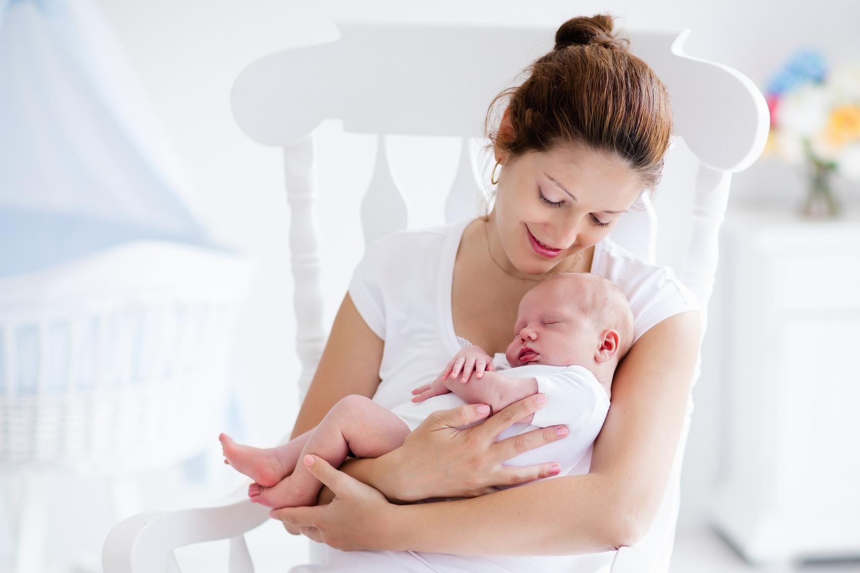 Jak rozwija się dziecko w drugim miesiącu życia