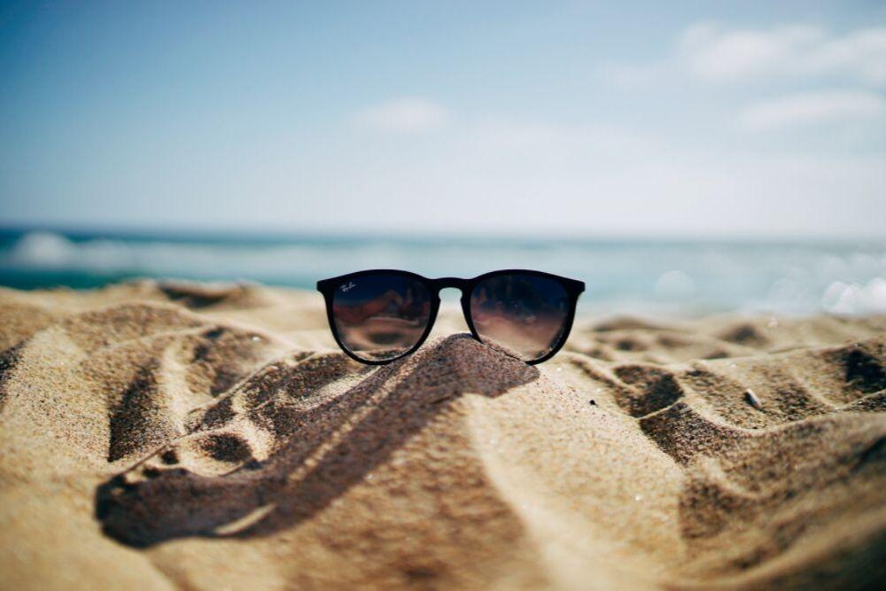 Okulary Ray-Ban – jak rozpoznać podróbkę?