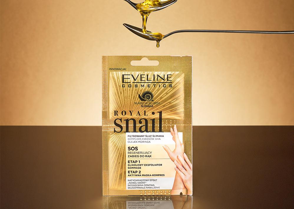 Zabieg regenerujący do rąk SOS  Royal Snail